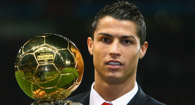 Wie wint de Gouden Bal 2013? Ronaldo is dé grote favoriet Ballon d'Or: www.bet.nl/algemeen/sportnieuws/wie-wint-de-gouden-bal-2013-ronaldo...
