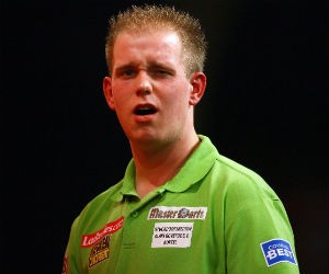 what darts does michael van gerwen use
