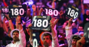 Wedtips WK Darts: Raymond van Barneveld en Vincent van der Voort | Getty